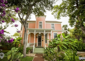 Eponymous Garden | Weird Homes Tour Austin