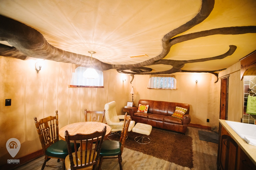 Hawthorne Hobbit Hole | Weird Homes Tour Portland