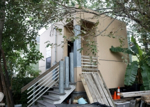 The Tiniest Home In New Orleans   Weird Homes Tour New Orleans